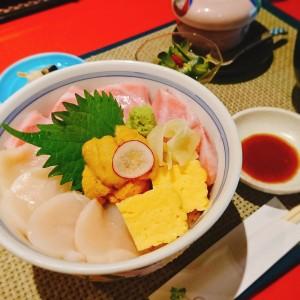 イソベ海鮮丼